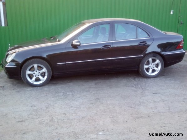 Mercedes-Benz C photo 1